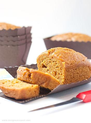 Mini Pumpkin Bread Loaves - Design Eat Repeat